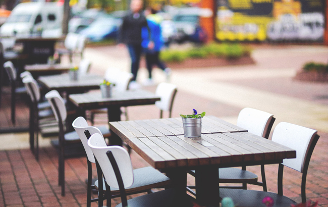 Almost one in four English bars open for outdoor service