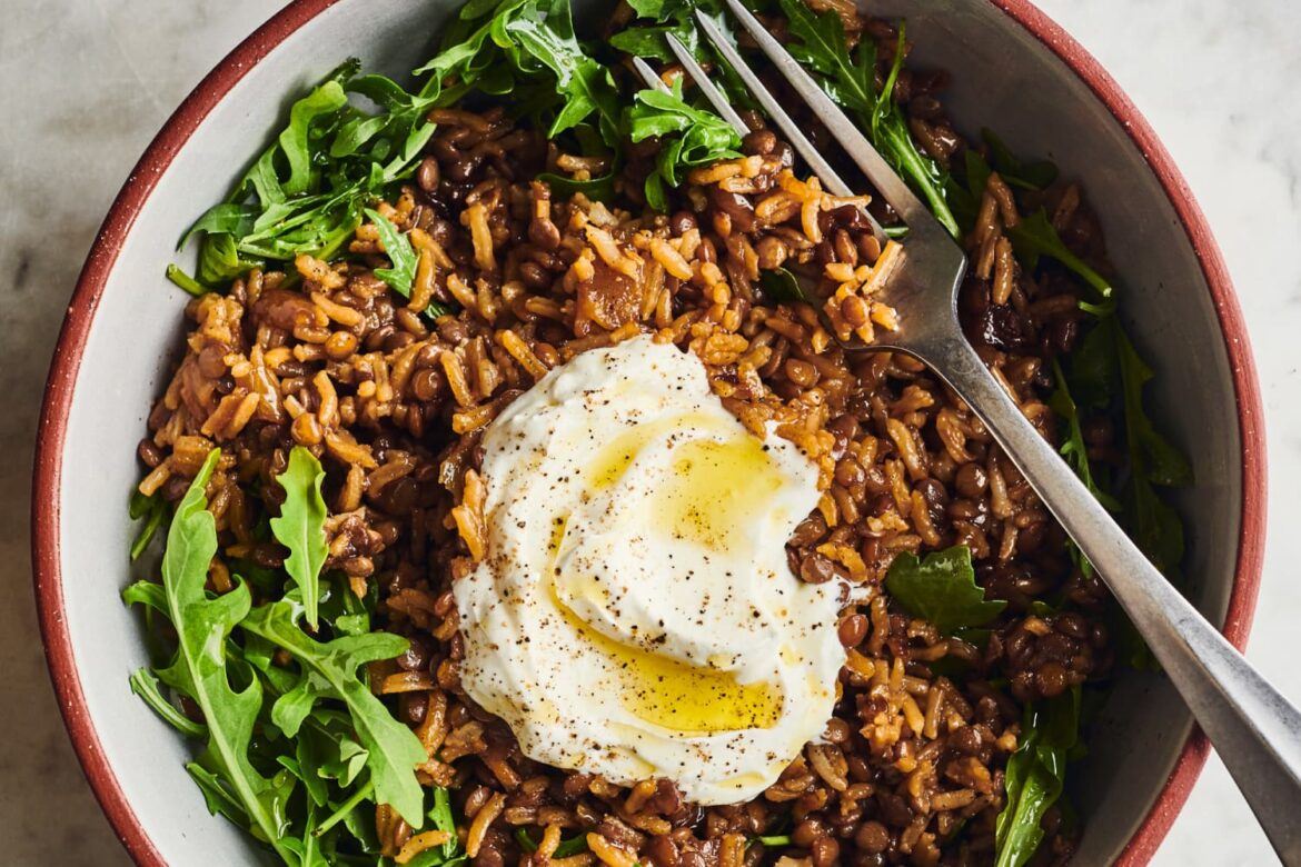 Mujadara Is a Powerhouse Blend of Rice, Lentils, and Deeply Caramelized Onions
