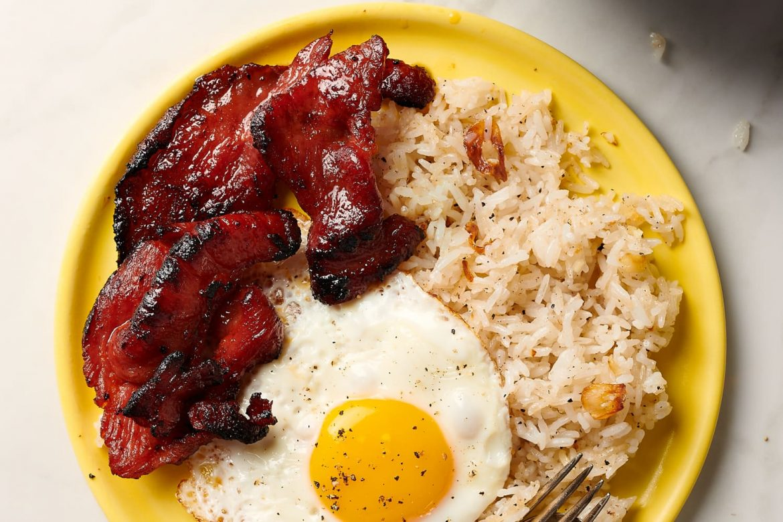 3-Ingredient Garlic Fried Rice Is My Favorite Filipino Breakfast