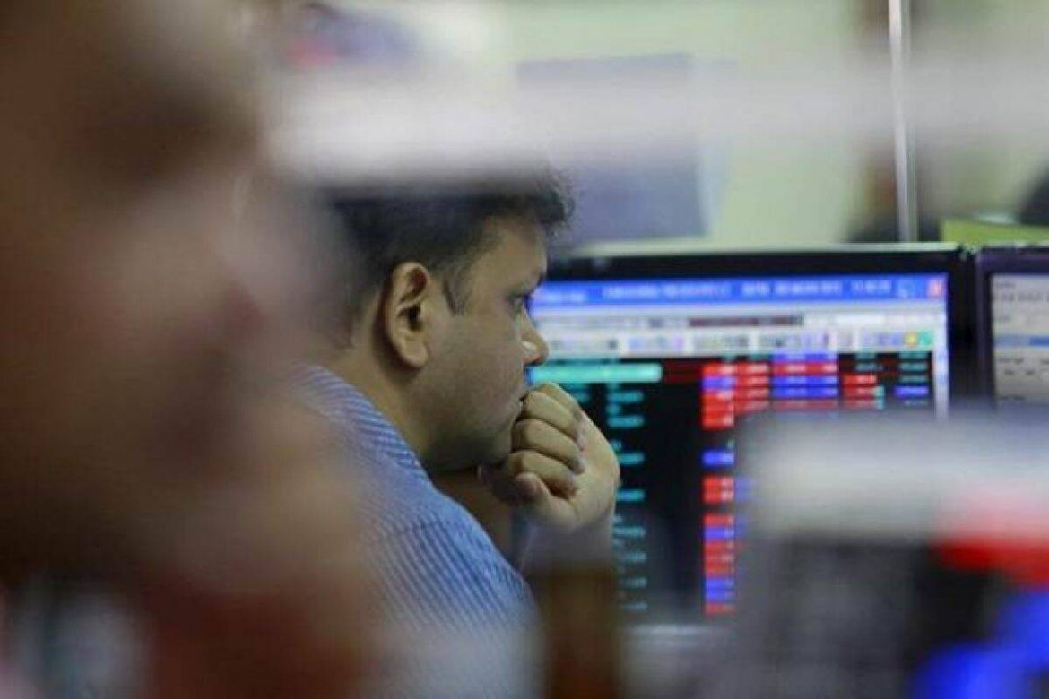 Sensex fails to hold fresh all-time highs, ends flat, Nifty follows; are bears knocking D-St's door?