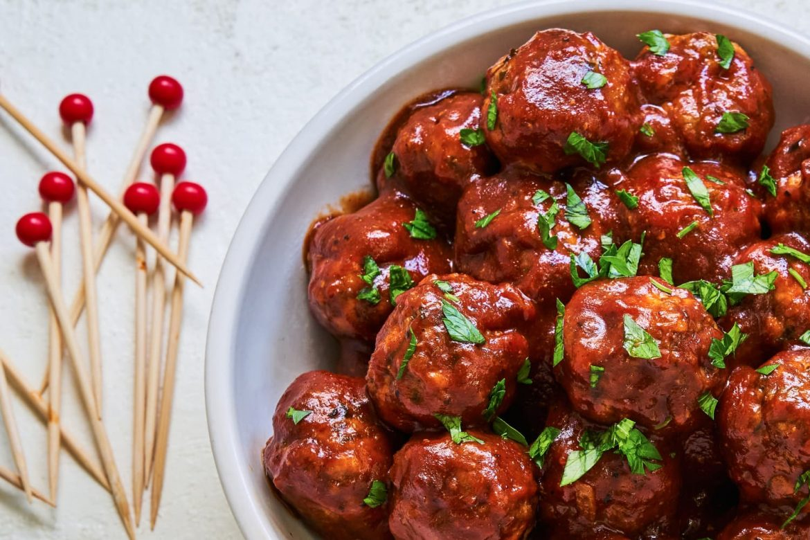 These BBQ Meatballs Will Be the Life of Any Party (or Dinner)