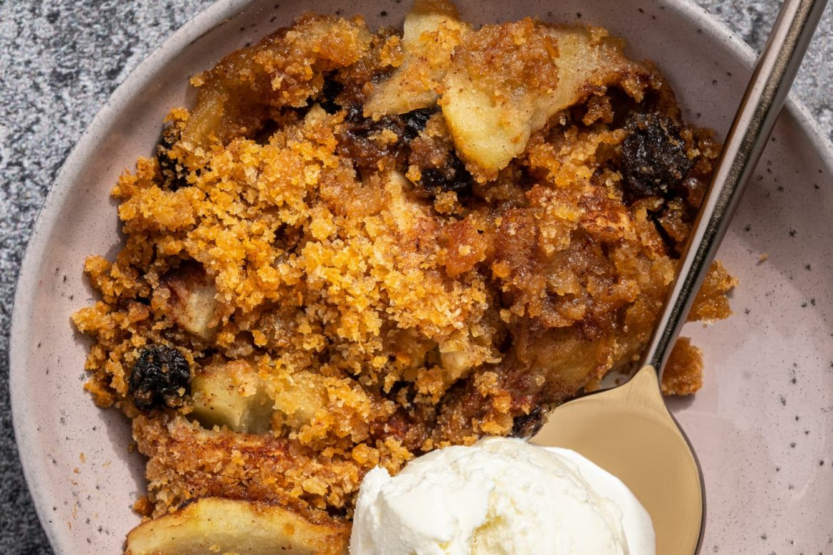 This Apple Brown Betty Has an Ingenious Idea for Homemade Breadcrumbs
