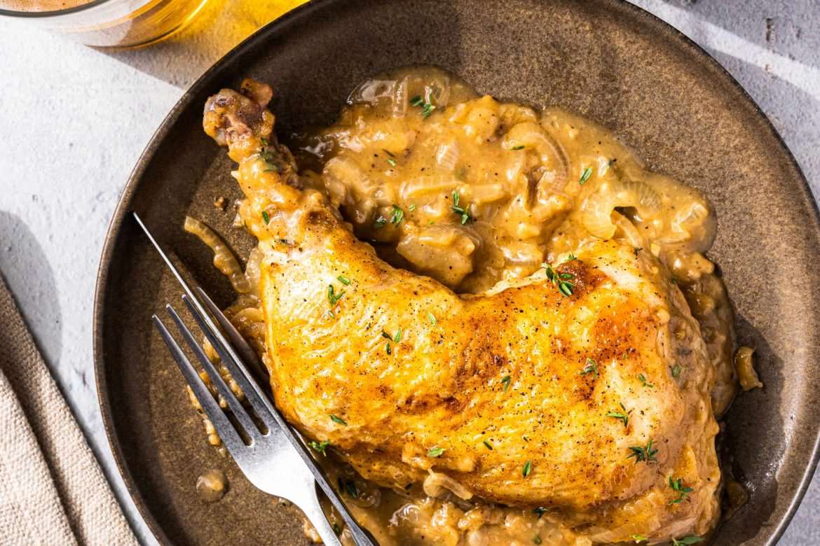 Smothered Chicken Is an Easy One-Pot Dinner Win
