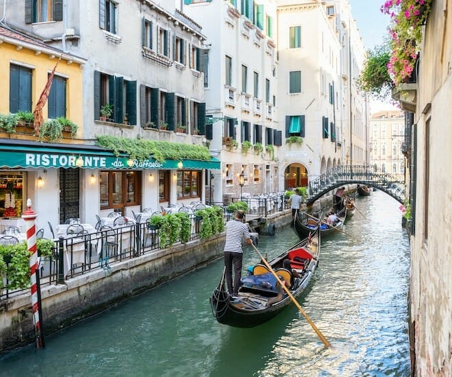Venice To Charge Entrance Fees Starting Summer 2022