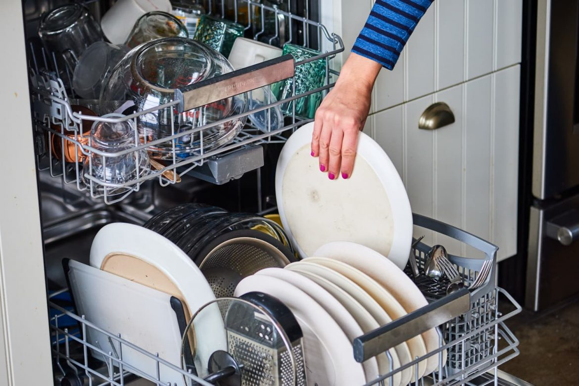 5 Surprising Ways to Maximize the Space in Your Dishwasher