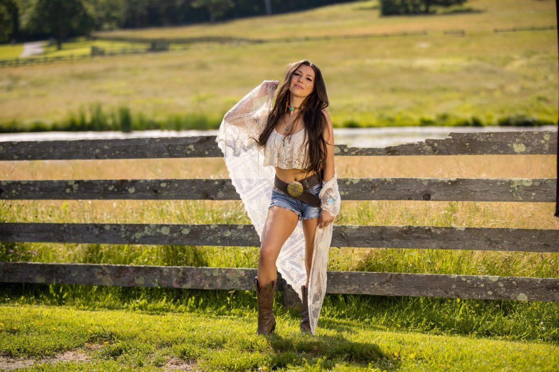 Jessica Lynn Talks Her 'Reimagined' EP & Future Plans