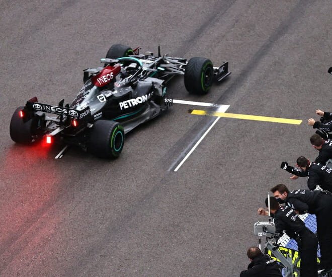 Lewis Hamilton Secures Historic 100th F1 Victory at Russian GP