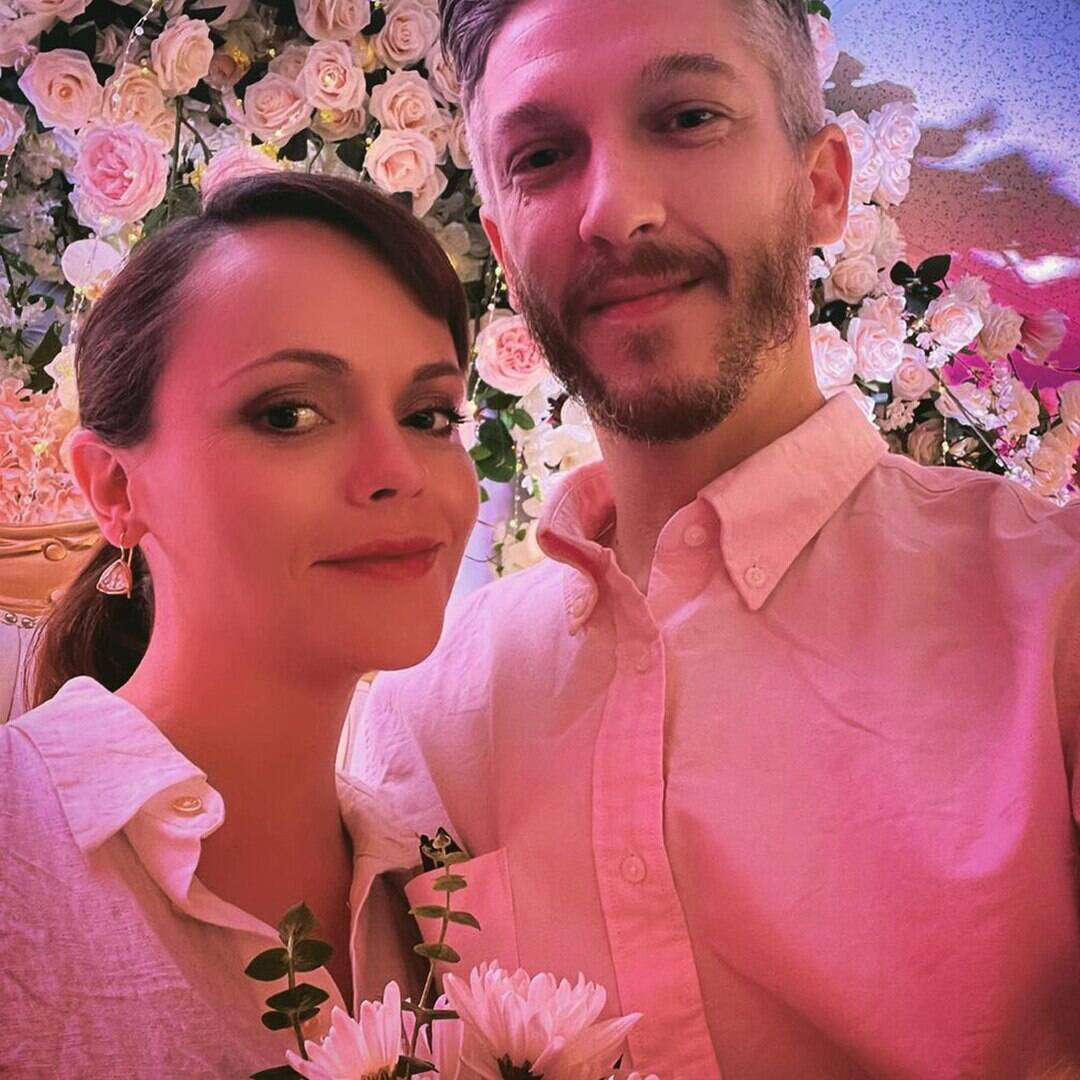 Christina Ricci Marries Hairdresser Mark Hampton 2 Months After Announcing Pregnancy