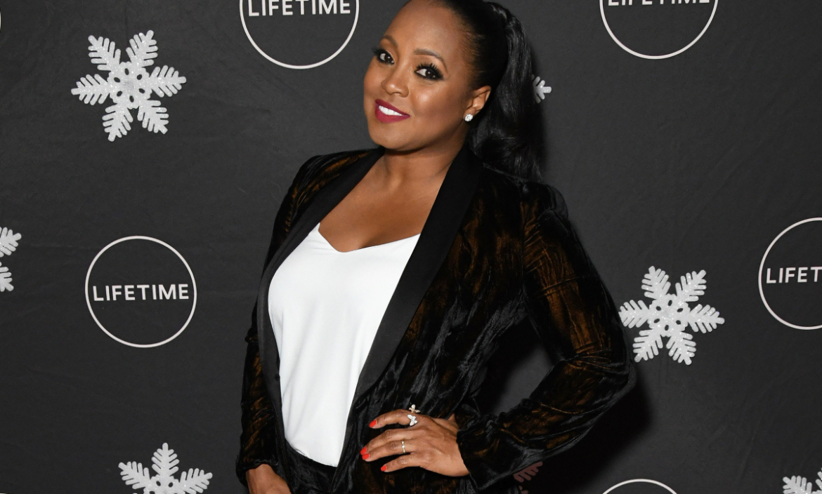 Cosby Show Actress Keisha Knight Pullium MARRIED To Handsome Actor!!