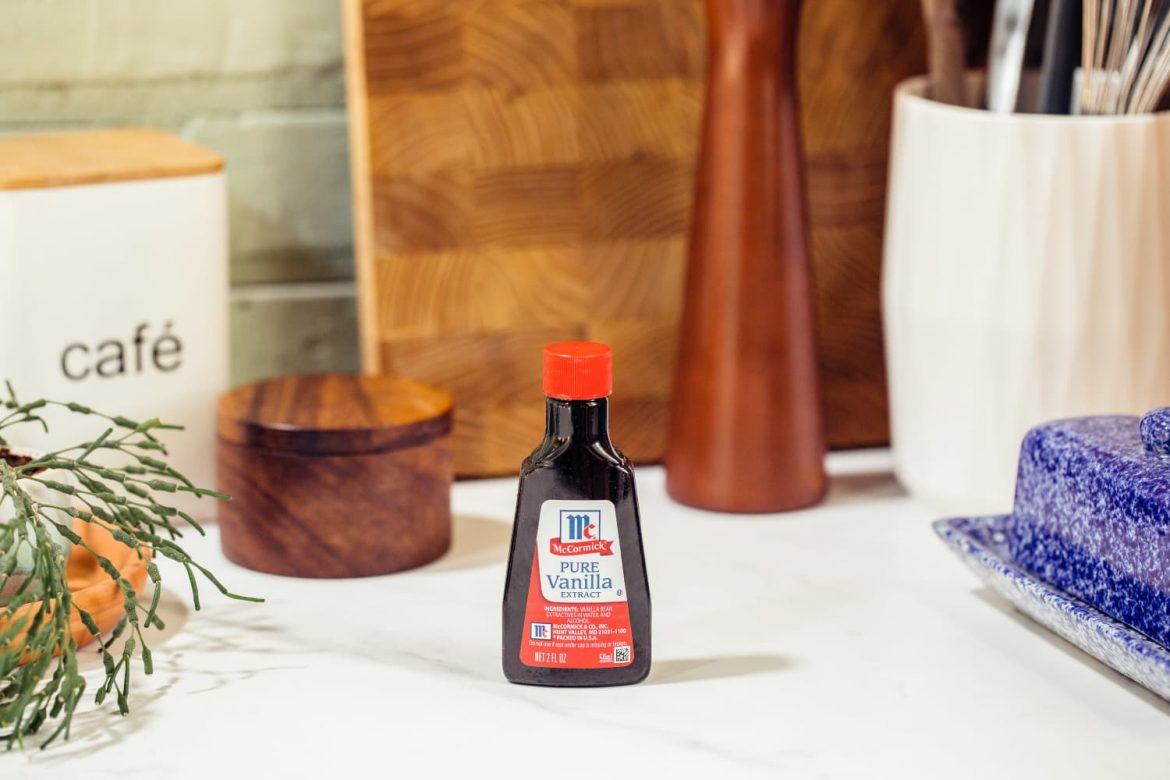 Make Your Fridge Less Stinky with a Bit of Vanilla Extract