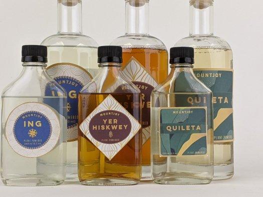 Review: Mountjoy Non-Alcoholic Spirits: Ing, Quileta, Yer Hiskwey
