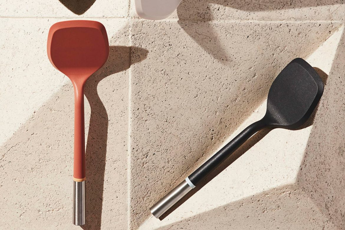 This Constantly Sold Out, Editor-Favorite Spatula Now Comes in a Pretty New Colorway